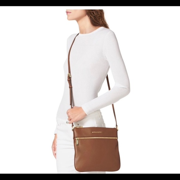 wholesale dealer modern and elegant in fashion best sell Michael Kors Riley Pebbled-Leather Crossbody